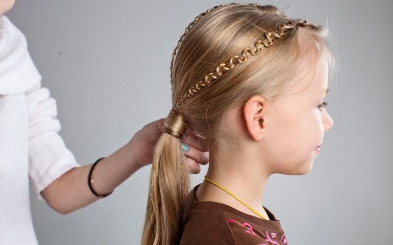 Хвостик сейчас модно делать причёски