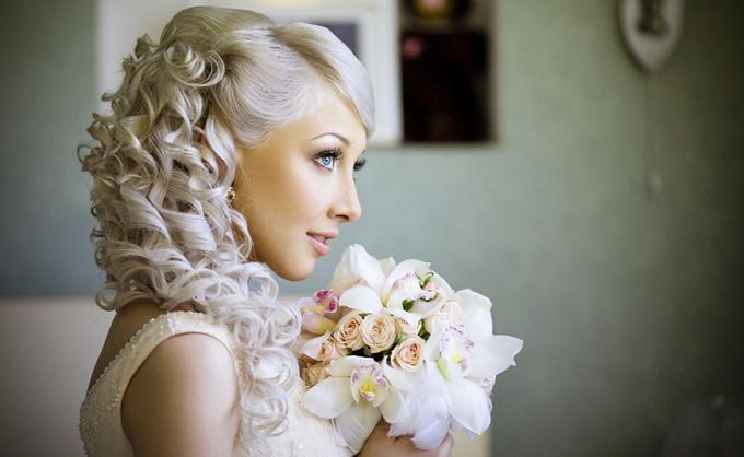 свадебные прически фотографии с наращиванием волос цены