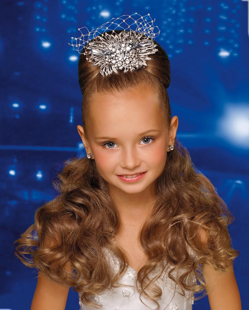 Прическа на новый год девочке принцессе