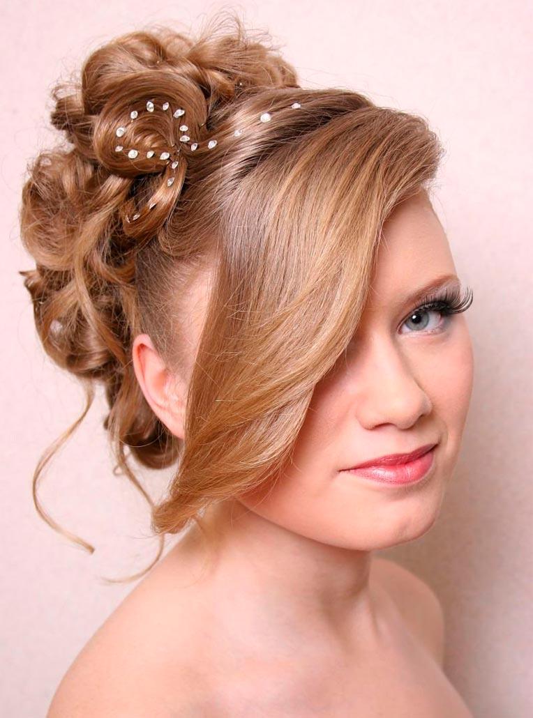 красивые прически на среднюю длину волос видео