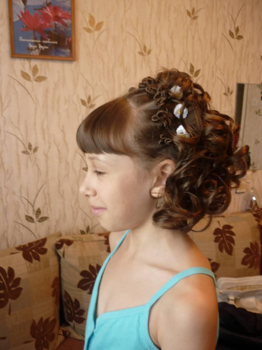 Красивые причёски для девочек на выпускной в детском саду фото