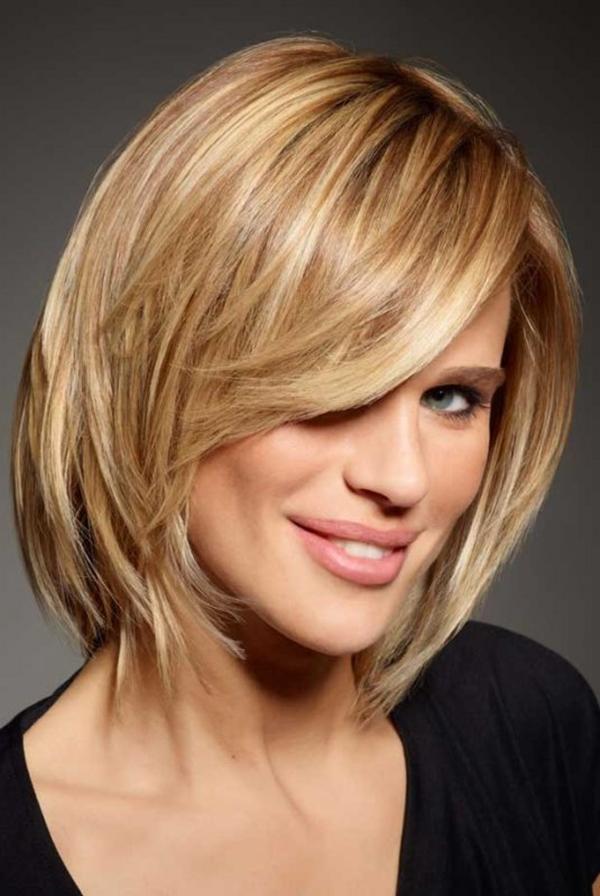 Стрижки модные средней длины волос
