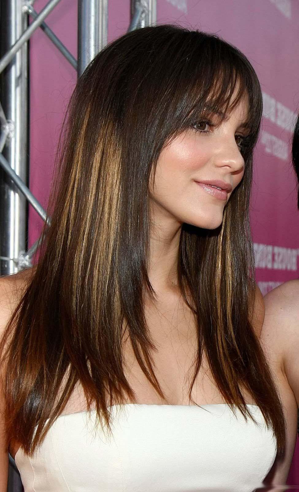Объемный каскад на длинные волосы