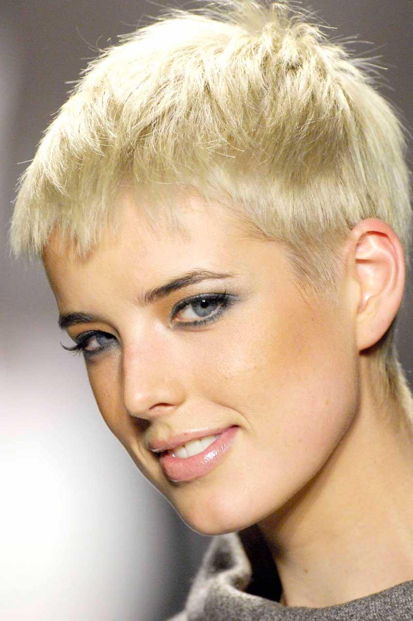 Покрашенные волосы в черный - 9a82