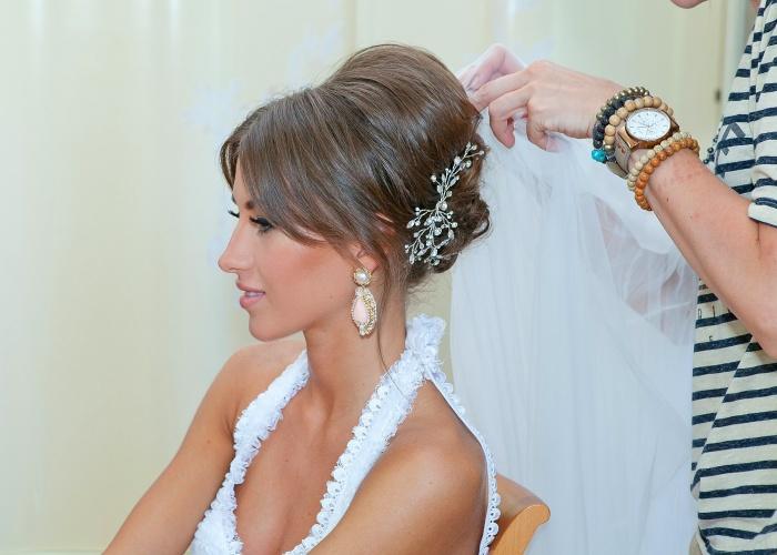 свадебные прически круглого лица фото