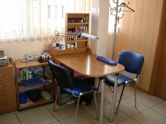 Рабочие столы для наращивания ногтей фото