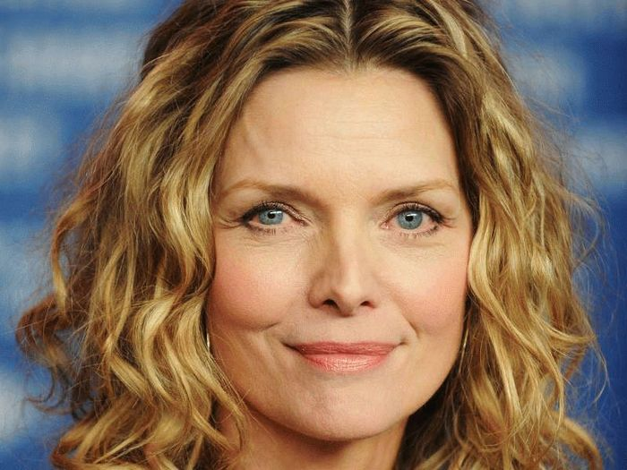 michelle-pfeiffer-84721275-b